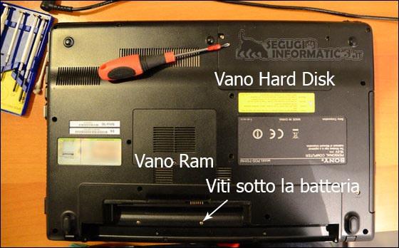 Guida illustrata alla pulizia interna del computer portatile - Smontare maniglia finestra senza viti ...